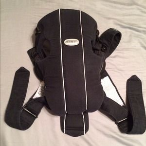 Bjorn Borg Other - Black baby Bjorn carrier - Gently used