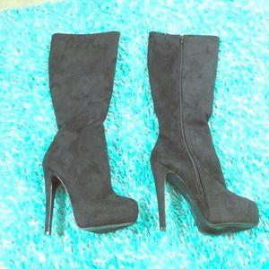 black high heel boots!!