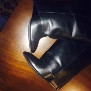 b8dbf5564903 Enzo Angiolini Shoes - Enzo Angiolini DAMUS black leather wedge boots.