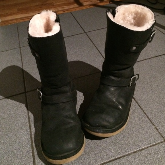 Black leather Ugg boots Kensington Y3