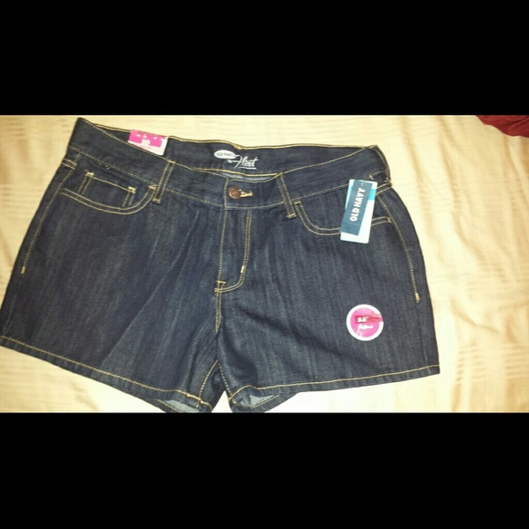 old navy flirt jeans shorts Results 1 - 48 of 89 they are called  the flirt they are mid rise and stretch old navy denim dungaree shorts short uk 10 small fitted 8 xs oversized (d5j.