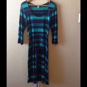 Green and navy striped longer dress w/matching tie