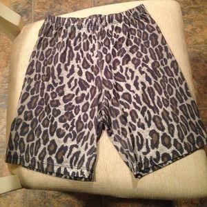 Pants - 🐯Cheetah print biker shorts/spandex🐯
