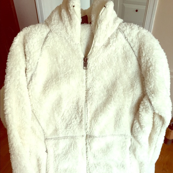 69% off Avalanche Outerwear - White fuzzy warm fleece by Avalanche ...