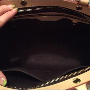 0ea4bdbfccce Louis Vuitton Bags - Authentic LV Brea Mm
