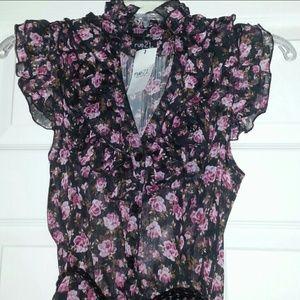 BNWT Flower Chiffon Shirt W/Belt