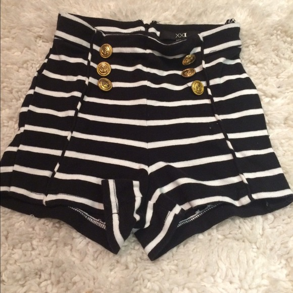 Forever 21 - Black and White striped high-waisted Sailor Shorts ...