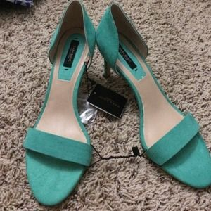 Zara sandals heel in jade size 8 or 39, new