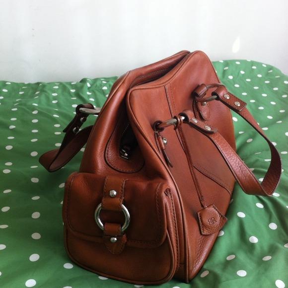 e730e302751e Banana Republic Handbags - Banana republic leather bag- cognac camel color
