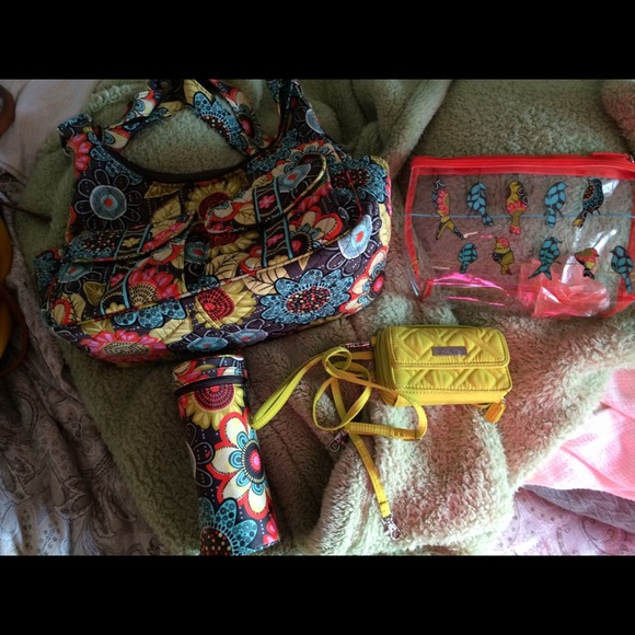Vera Bradley Handbags - SOLD in BUNDLE! Vera bradley flower shower lot