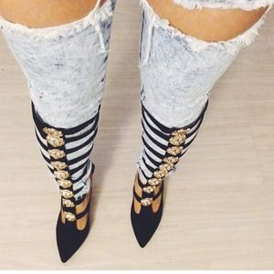 Jeffery Campbell's Donella Gold/Black.