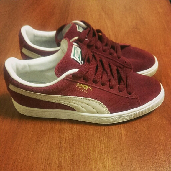 brand new c2eef dde49 Burgundy Puma Suede Classic (white laces included)