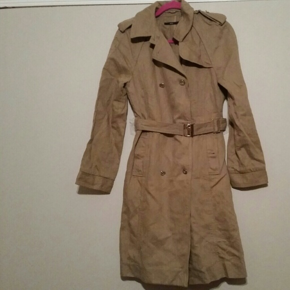 62 off hugo boss jackets blazers hugo boss belted trench coat size small from sharnette 39 s. Black Bedroom Furniture Sets. Home Design Ideas