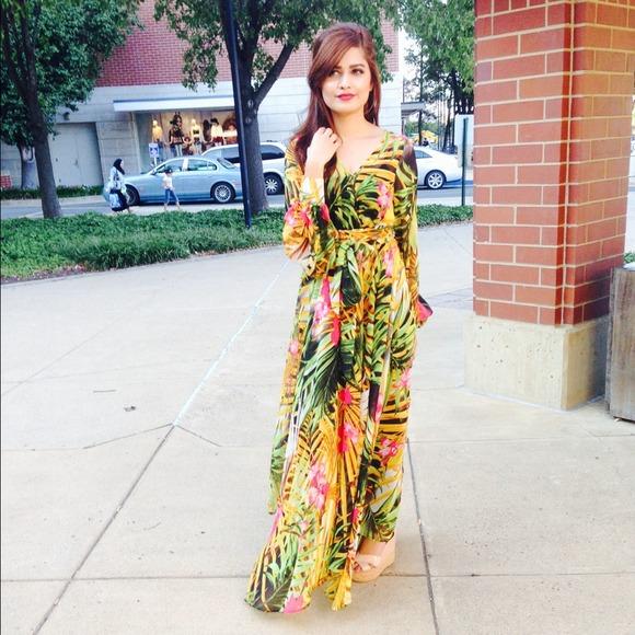ec6b12085a Dresses | Tropical Print Extremely Flowy Maxi Dress Chiffon | Poshmark