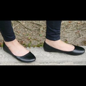 Soda Shoes - Brand new basic black flats