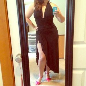 Dresses & Skirts - Stunning black long dress with slit