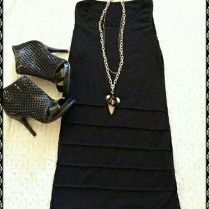 Dresses & Skirts - 🎈sale🎈Black bodycon dress