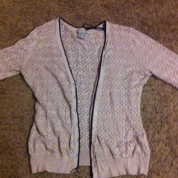 80% off H&M Sweaters - Light pink nude floral button up sweater ...