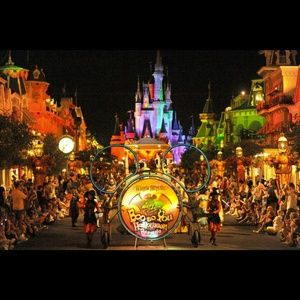 **10% off!!Happy Halloween from Disney**