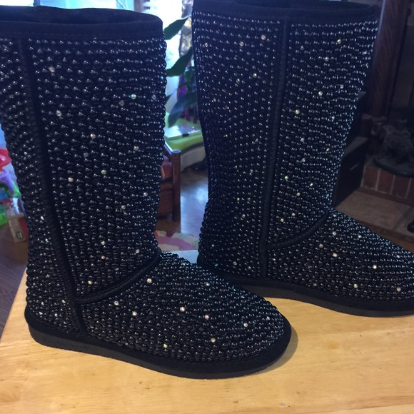 efb3e28f1764 Embellished boots ugg bearpaw any size pearl