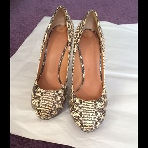 L.A.M.B genuine snakeskin pump