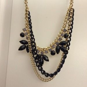 Jewelry - Gold & black layered chain statement necklace