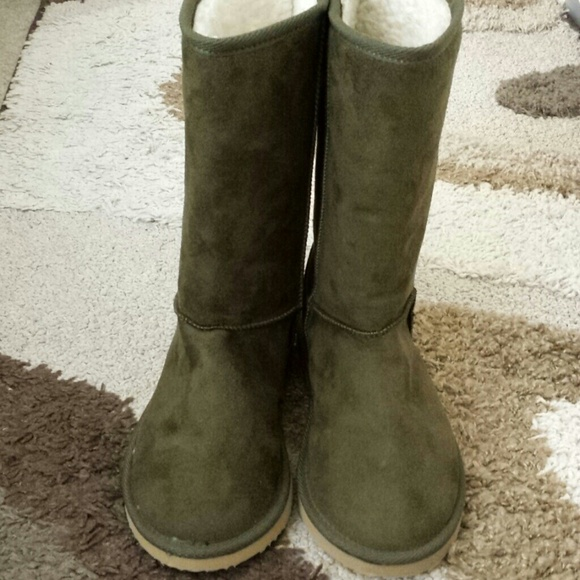 Ugg Olive Boots