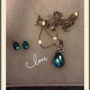 Jewelry - Beautiful jewelry set. Necklace and Earrings