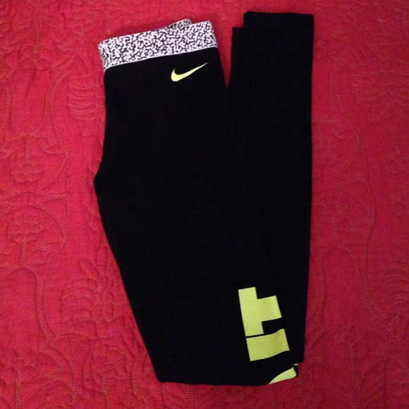 42 off nike pants nike pro 39 just do it 39 leggings from. Black Bedroom Furniture Sets. Home Design Ideas