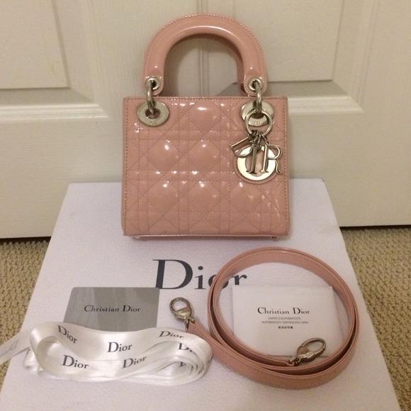 Pre Owned Michael Kors Camden Leather handbag