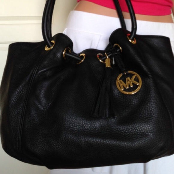 a538f745879f Michael Kors Large Ring Tote Black Leather Handbag.  M_544e5d3353bc25436327183f