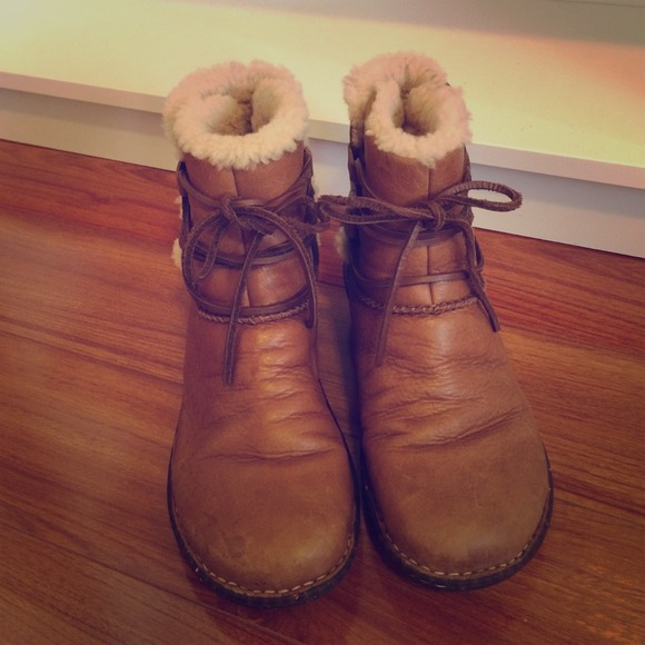 0615f9439b7 UGG Shearling Lined Lace- up Caspia Ankle Boot.