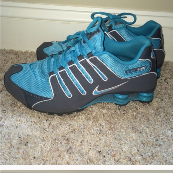 on sale 919d8 4d527 Nike shox (size 9) teal and grey