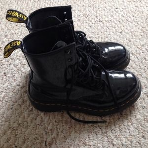 Shoes - ❄️SALE❄️Black Doc Martins