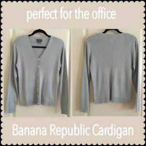 ⭐️CLEARANCE SALE Banana Republic Knit Cardigan