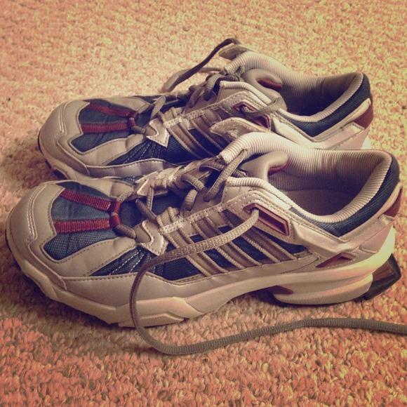 Zapatillas adidas RESPONSE Trail corriendo talla 7 poshmark