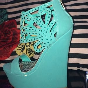 Gorgeous stone embellished turquoise wedge