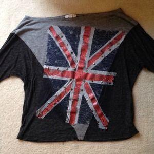 Tops - 3/4 length sleeved shirt
