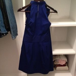 Express dress with pockets and zips on the side