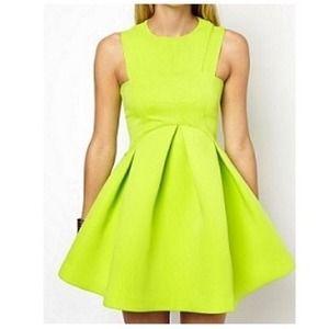 Dresses & Skirts - Beautiful Party Dress 💃