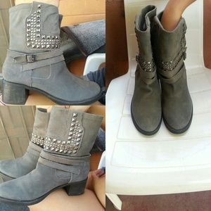 Vince Camuto womans Boots