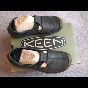 Keen Shoes - Black Keen🌸shoes