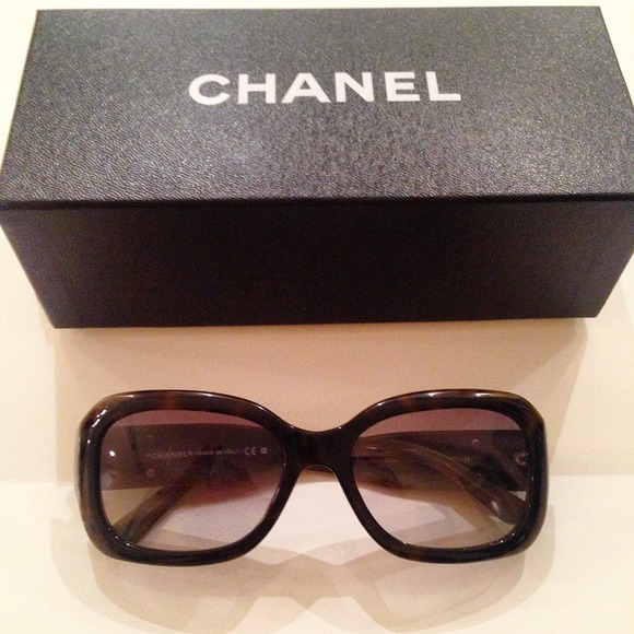 e2f2a63084 CHANEL Accessories - Chanel Studded Tortoise Sunglasses - 5102