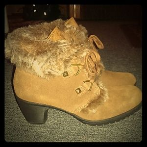 Bass fur-lined booties