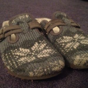 Shoes - SOLD Adorable Fair Isle Slip-ons!