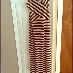 Maxi dress / tan and white