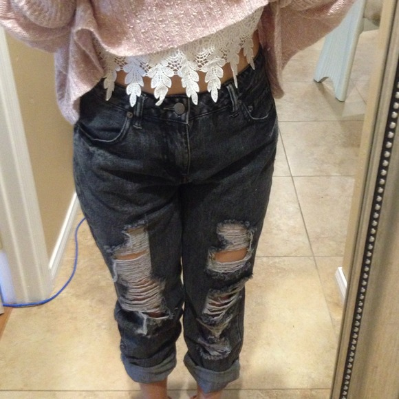 LF - ✨FLASHSALE DARK GRAY ripped boyfriend jeans from Angel's ...