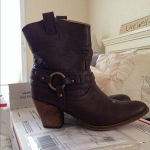 Short Guess Cowboy brown boots