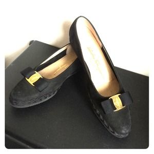 **Reduced**Vintage Salvador Ferragamo Black Flats
