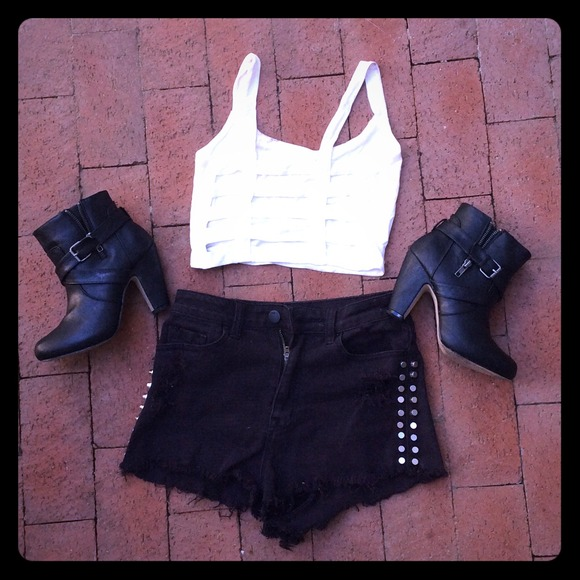 2aac8b5bcd GOING OUT CAGE STRAP BACK CROP TOP BRALETTE